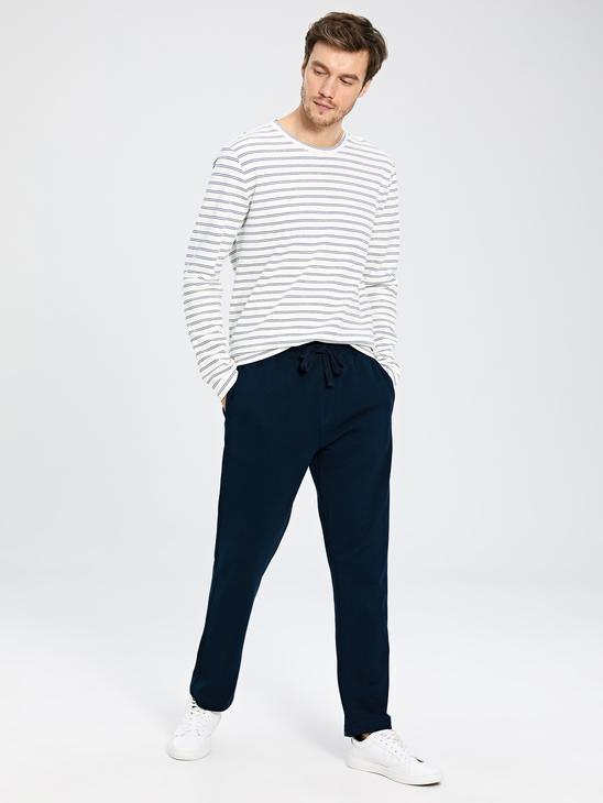 NAVY - Standard Fit Sweatpants - 0S3136Z8