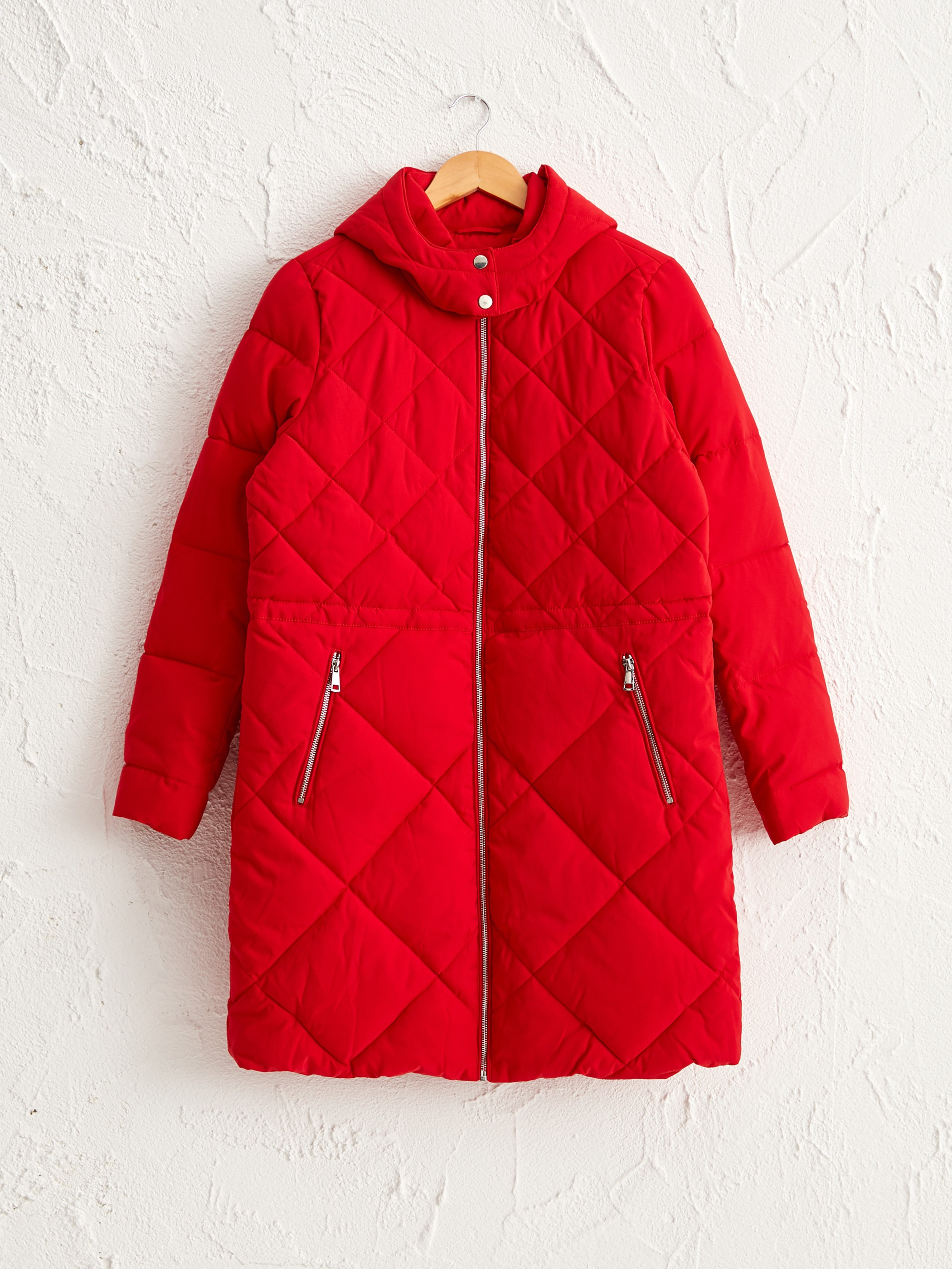 RED - Quilted Figured Short Coat with Hood - 0W1772Z8