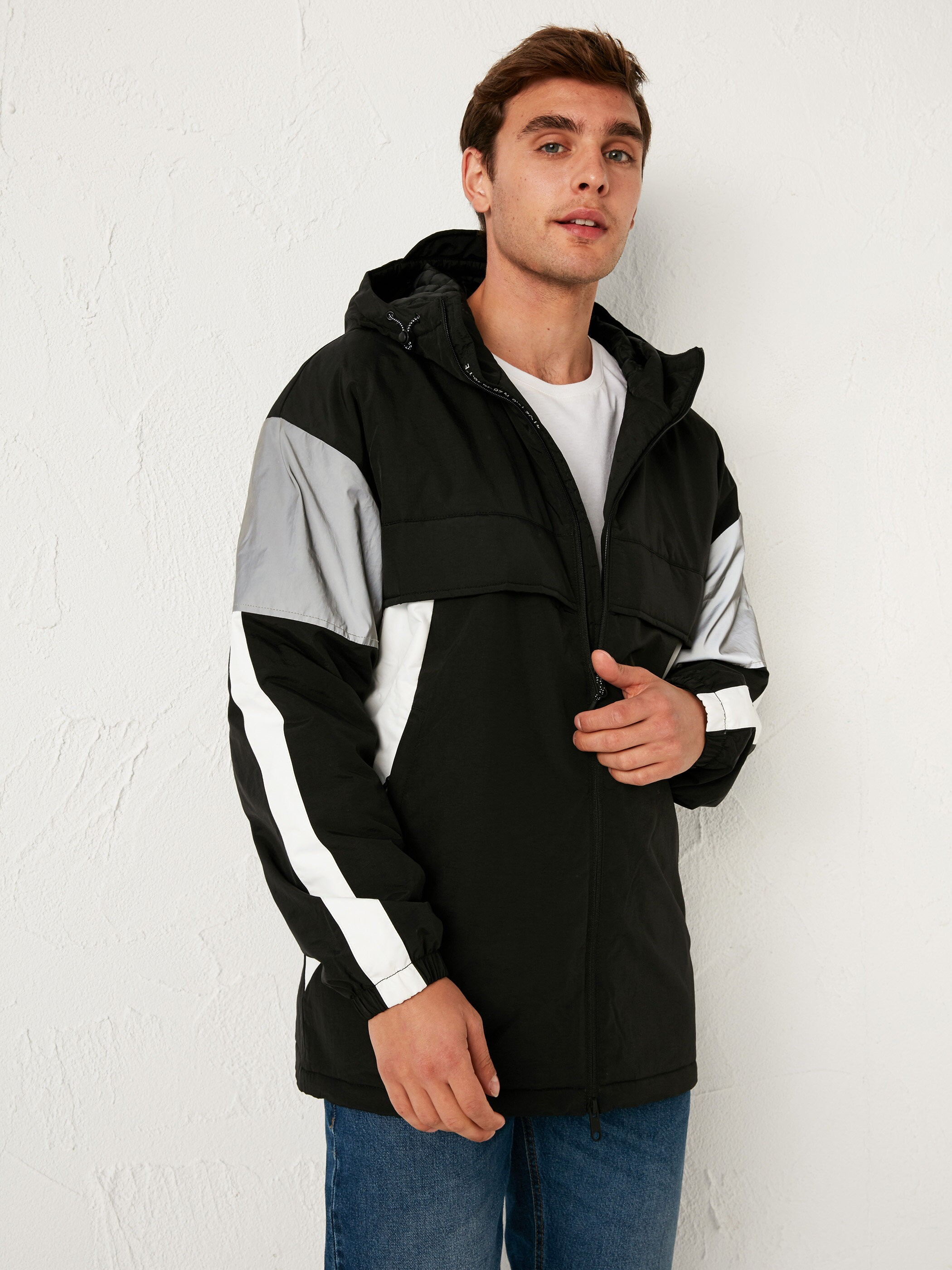 BLACK - Stand-Up Collar Short Coat with Hood - S11151Z8