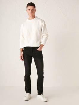 BLACK - 750 Slim Fit Jeans